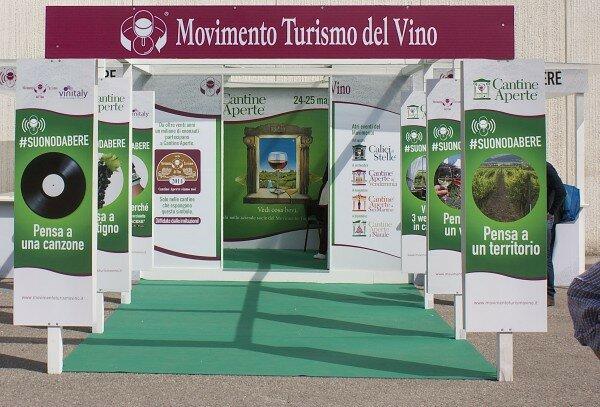 Movimento turismo per Vino